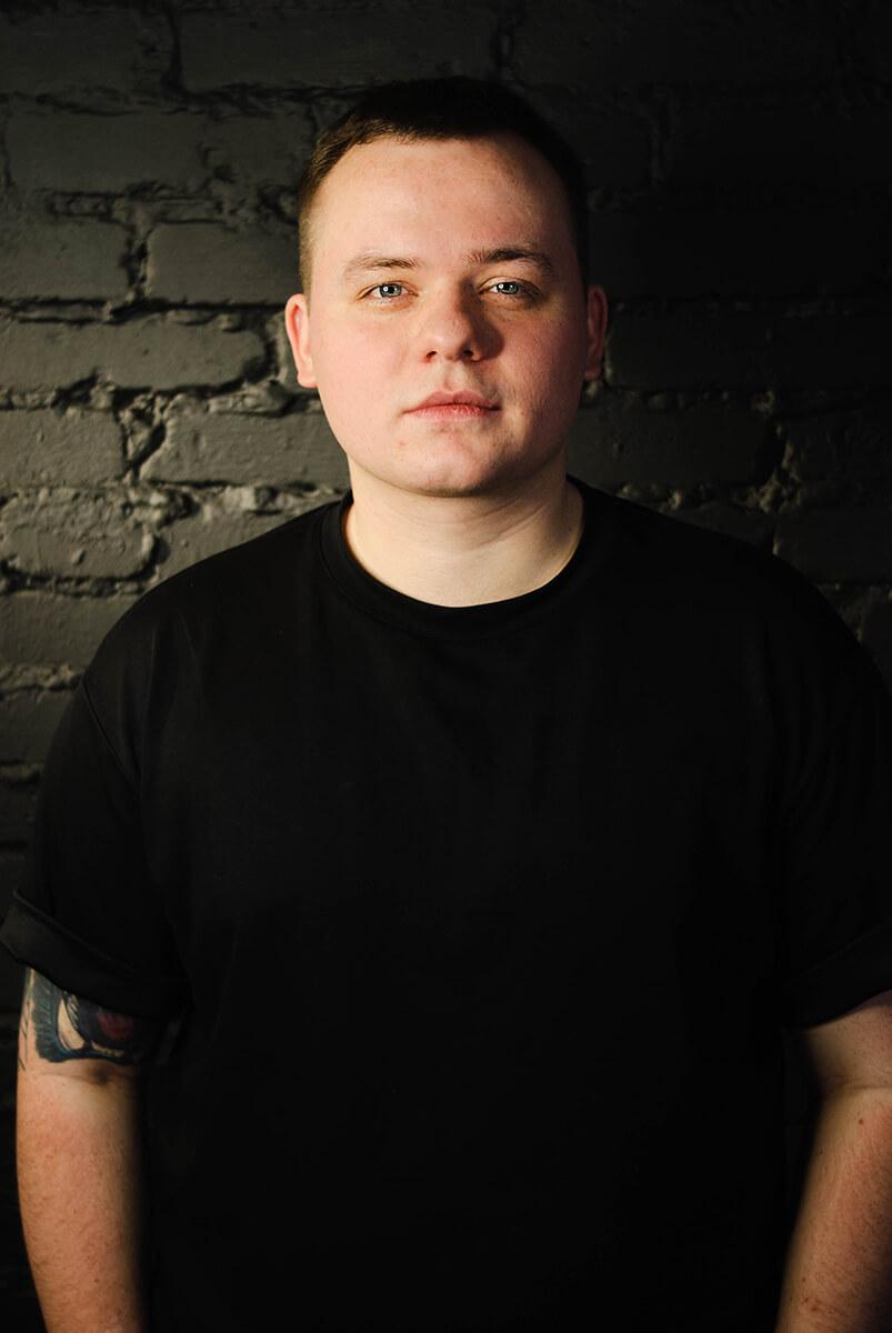 Мастер тату-салона ROY TATTOO Владислав Полторак